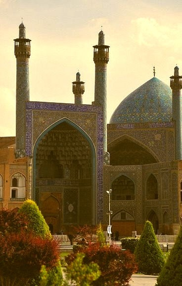 by DSLEWIS on Flickr.Imam Mosque in Naqsh-e Jahan Square - Isfahan, Iran.
