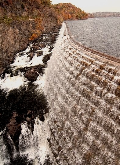 New Croton Dam with fall colours, New York, USA